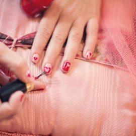 Zalety wykonania manicure hybrydowego